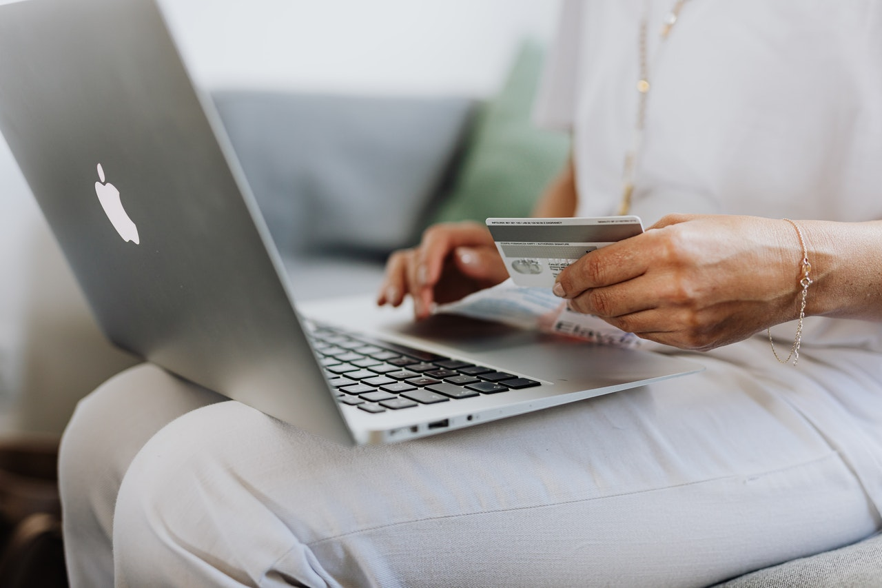 Dicas para vender mais online e ter lucro! (Foto de Karolina Grabowska no Pexels)